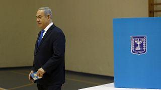 Izraeli választások: az exit pollok alapján Netanjahu győzött