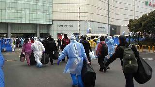 Koronavírus: csökken az új megbetegedések száma Kínában