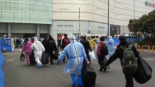 Coronavirus: in Cina rallenta ma si teme il contagio di ritorno