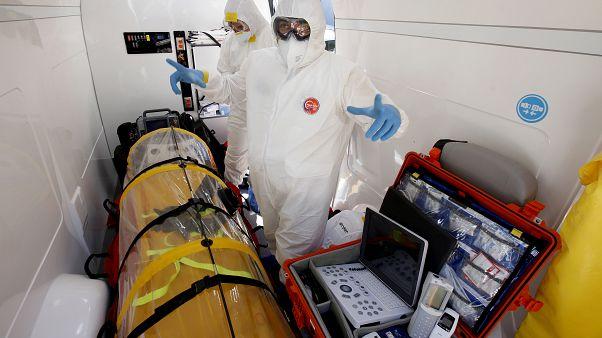 فيروس كورونا: 9 وفيات في الولايات المتحدة و79 في إيطاليا
