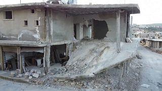 شاهد: قصف ودمار استهدف قرية بليون بريف إدلب