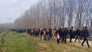 Yunanistan'a geçen göçmenler
