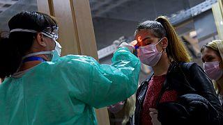Koronavírus: ha a járványügyi hatóság rendeli el a karantént, akkor jár a táppénz