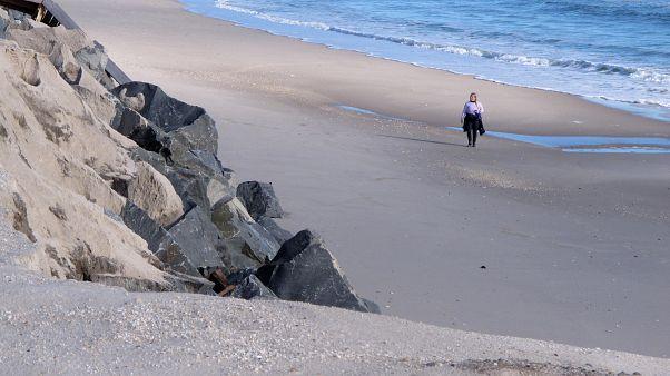 نصف الشواطئ الرملية قد تزول في العالم بحلول 2100