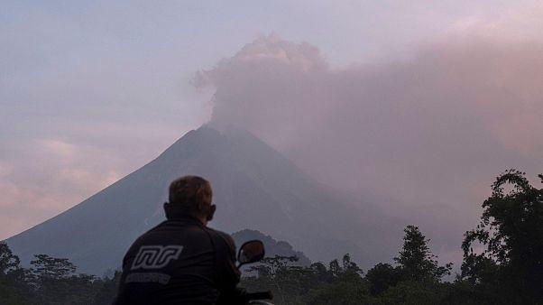 Kitört Indonézia legaktívabb vulkánja, a Merapi