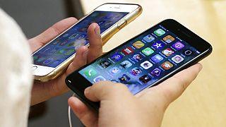 أمريكا: أبّل ستدفع 500 مليون دولار في تسوية لقضية إبطاء هواتف آيفون