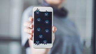 ویروس کرونا میتواند تا ۹۶ ساعت روی صفحه نمایش موبایل زنده بماند