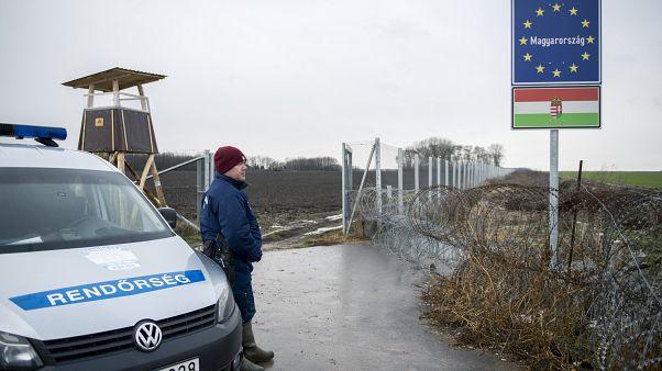 Vizsgálja a tranzitzónák lezárását Brüsszel