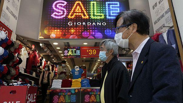 هنگکنگ با پرداخت یارانه نقدی هزار دلاری به جنگ تبعات اقتصادی کرونا میرود