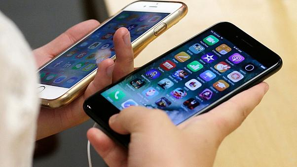 اپل برای کند کردن عمدی آیفون ۵۰۰ میلیون دلار به مشتریان خسارت میدهد