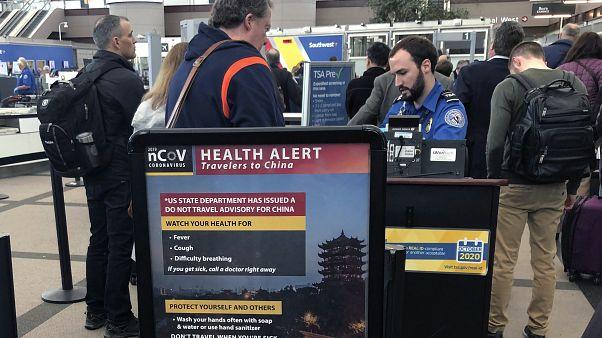 Virus-Warnung am Flughafen von Denver in den USA