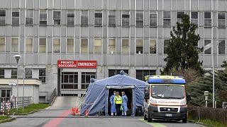 Италия: число жертв коронавируса перевалило за сотню