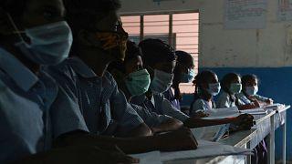DSÖ'den koronavirüsle mücadelede tıbbi malzeme eksikliğine karşı uyarı