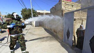 Дезинфекция жилых кварталов в Ираке 3 марта 2020