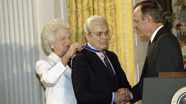 George H. Bush, Barbara Bush, Javier Perez de Cuellar