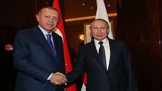 الرئيس الروسي فلاديمير بوتين ونظيره التركي طيب رجب إدروغان