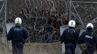 مرز یونان با ترکیه؛ بسیج شهروندان یونانی برای مقابله با هجوم پناهجویان