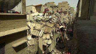 Pakistan'ın Karaçi kentinde 5 katlı bir bina çöktü