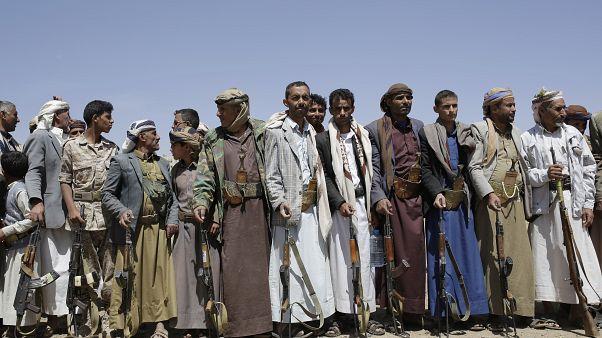 حملة لفرض قواعد اجتماعية صارمة في مناطق سيطرة متمردي اليمن