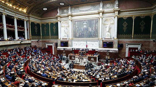 شیوع کرونا در فرانسه؛ یک نماینده پارلمان در بیمارستان بستری شد