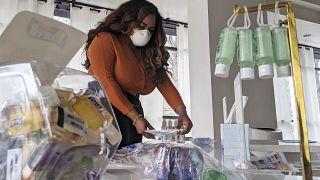 Adilisha Patrom koronavirüs mağazasında