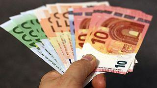 Los expertos minimizan la probabilidad de que los billetes propaguen el coronavirus