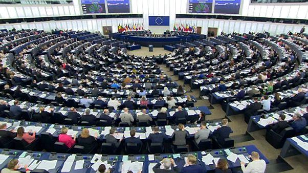 EP-szavazások: nem lóg ki a Fidesz a Néppártból