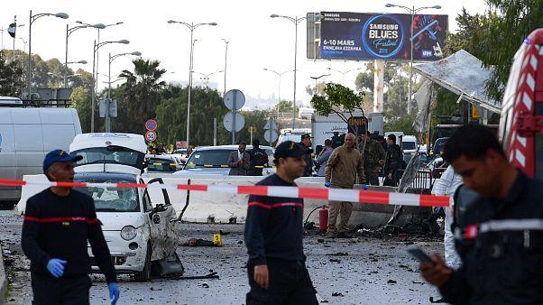 مقتل ثلاثة في هجوم انتحاري مزدوج قرب السفارة الأمريكية في تونس