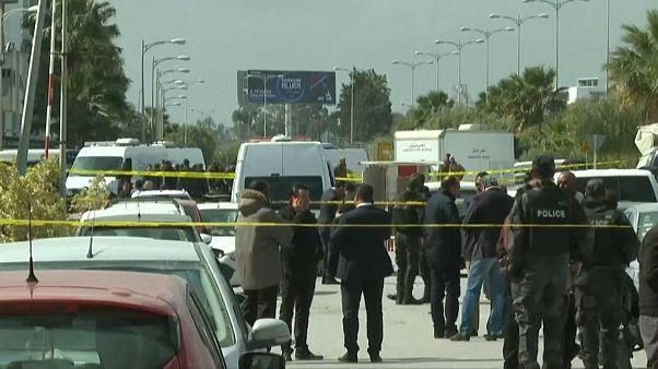 Tunisia, kamikaze contro l'ambasciata Usa: un morto