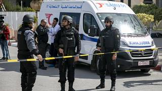 أعوان للشرطة التونسية بالقرب من السفارة الأمريكية في تونس - 2020/03/06