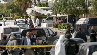 Последствия взрыва в Тунисе вблизи посольства США