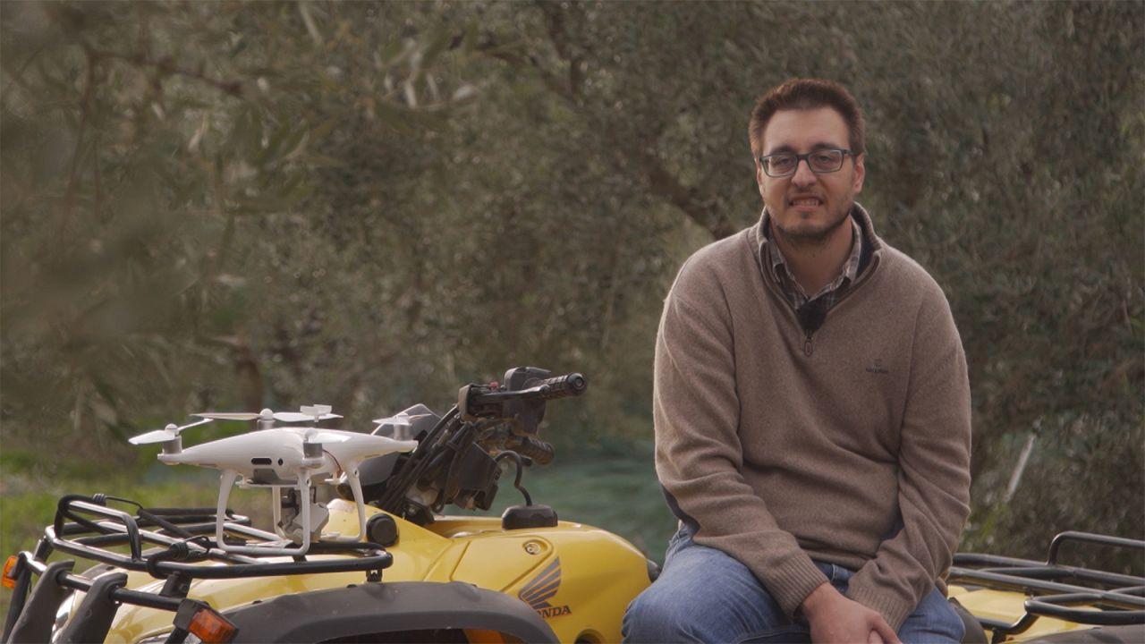 Así es como los drones y la agricultura inteligente ayudan a los olivareros griegos