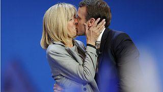 آیا سنت روبوسی فرانسوی هم قربانی ویروس کرونا میشود؟