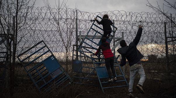 Migranti: Erdogan aperto al dialogo. Ma la trattativa è in salita