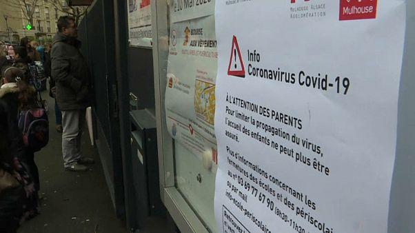 Covid-19 : la barre des 100 000 contaminations franchie dans le monde