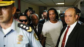 رونالدینیو، ستاره سابق بارسلونا در پاراگوئه دستگیر شد