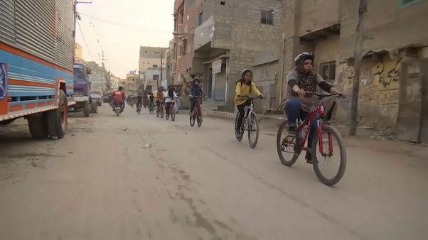 8 marzo: in Pakistan dove pedalare è un gesto rivoluzionario