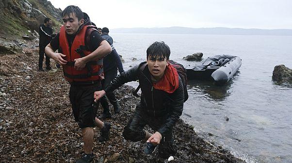إردوغان يأمر بمنع المهاجرين في تركيا من عبور بحر إيجه إلى اليونان