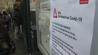 Coronavirus: Erste britische Tote - fast 800 Infizierte in Deutschland