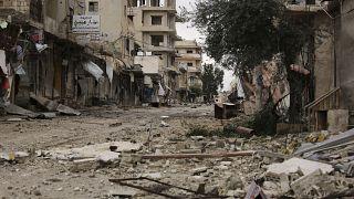 فيديو: سوريون يعودون إلى قرى مدمرة بعد وقف إطلاق النار في إدلب