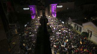 İstanbul Valiliği'nden 8 Mart kararı: Taksim'e çıkan yollar kapatıldı