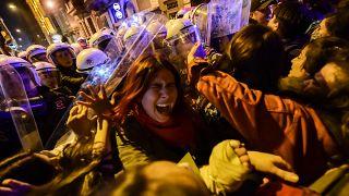 İstanbul'da 8 Mart Kadınlar Günü Yürüyüşü'ne polis müdahalesi