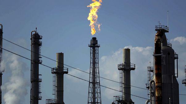 """السعودية تريد معاقبة روسيا باستخدام """"سلاح النفط"""""""