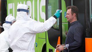 کرونا در جهان؛ وزیر فرهنگ فرانسه مبتلا شد، شمار قربانیان در اروپا از ۵۰۰ نفر گذشت