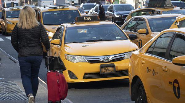 """""""أوبر"""" وخدمات توصيل أمريكية تعتزم دفع تعويضات للسائقين بسبب فيروس كورونا"""