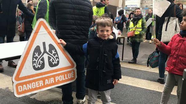 Action en justice pour sauver l'école la plus polluée de France
