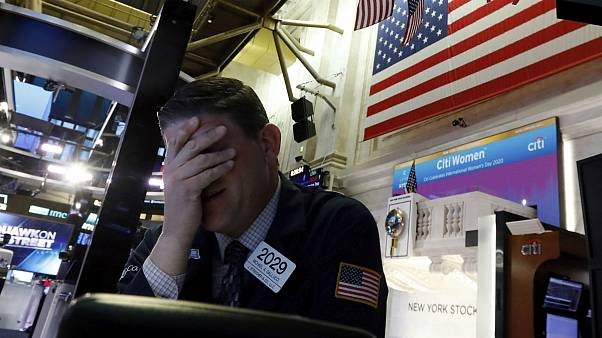 توقف ۱۵ دقیقهای مبادلات والاستریت پس از ۱۱ سال؛ کرونا بورس نیویورک را شوکه کرد