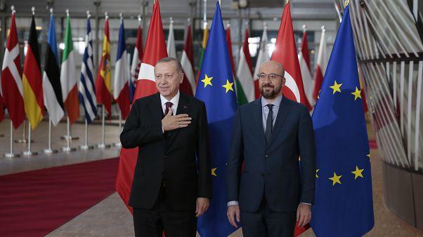 """إردوغان يطالب الناتو والاتحاد الأوروبي بتقديم """"دعم ملموس"""" لتركيا"""