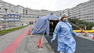 Coronavirus : l'Italie à l'arrêt complet et un ministre contaminé en France