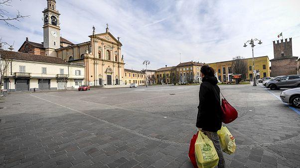 Ganzes Land zur Sperrzone erklärt: Hamsterkäufe in Italien